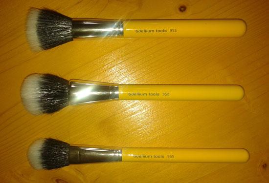 Bdellium Tools duo-fibre brushes before washing them